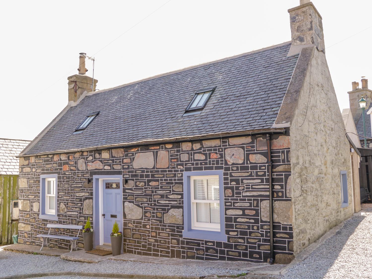 3 bedroom Cottage for rent in Sandend