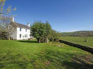 5 bedroom Cottage for rent in Abergele