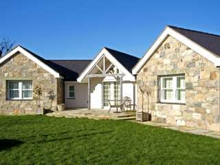 4 bedroom Cottage for rent in Pentraeth