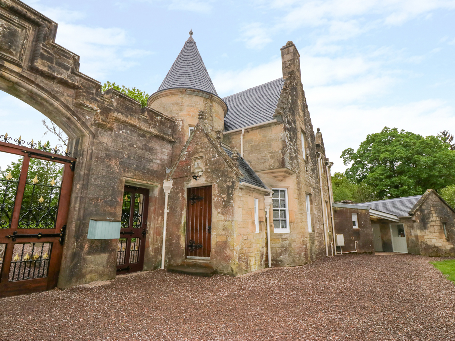 2 bedroom Cottage for rent in Doune