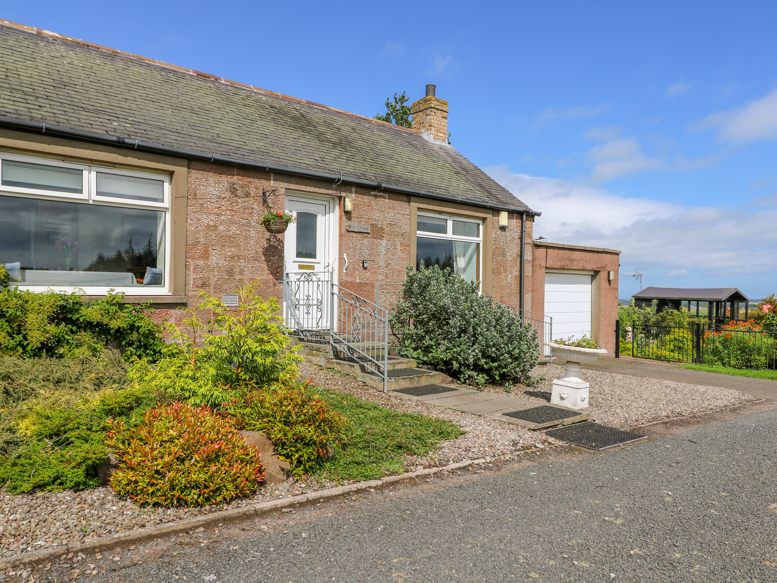 3 bedroom Cottage for rent in Arbroath