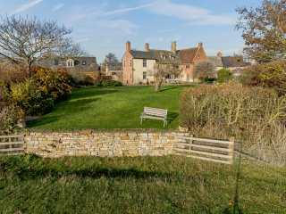 8 bedroom Cottage for rent in Stratford upon Avon