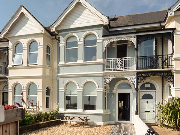 4 bedroom Cottage for rent in Worthing