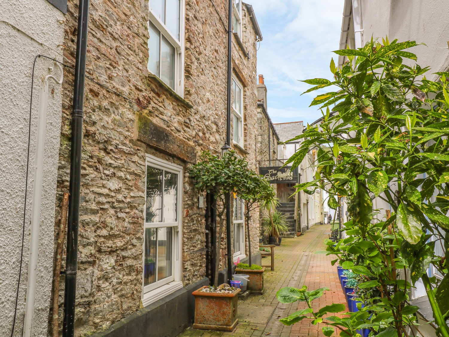 5 bedroom Cottage for rent in Looe