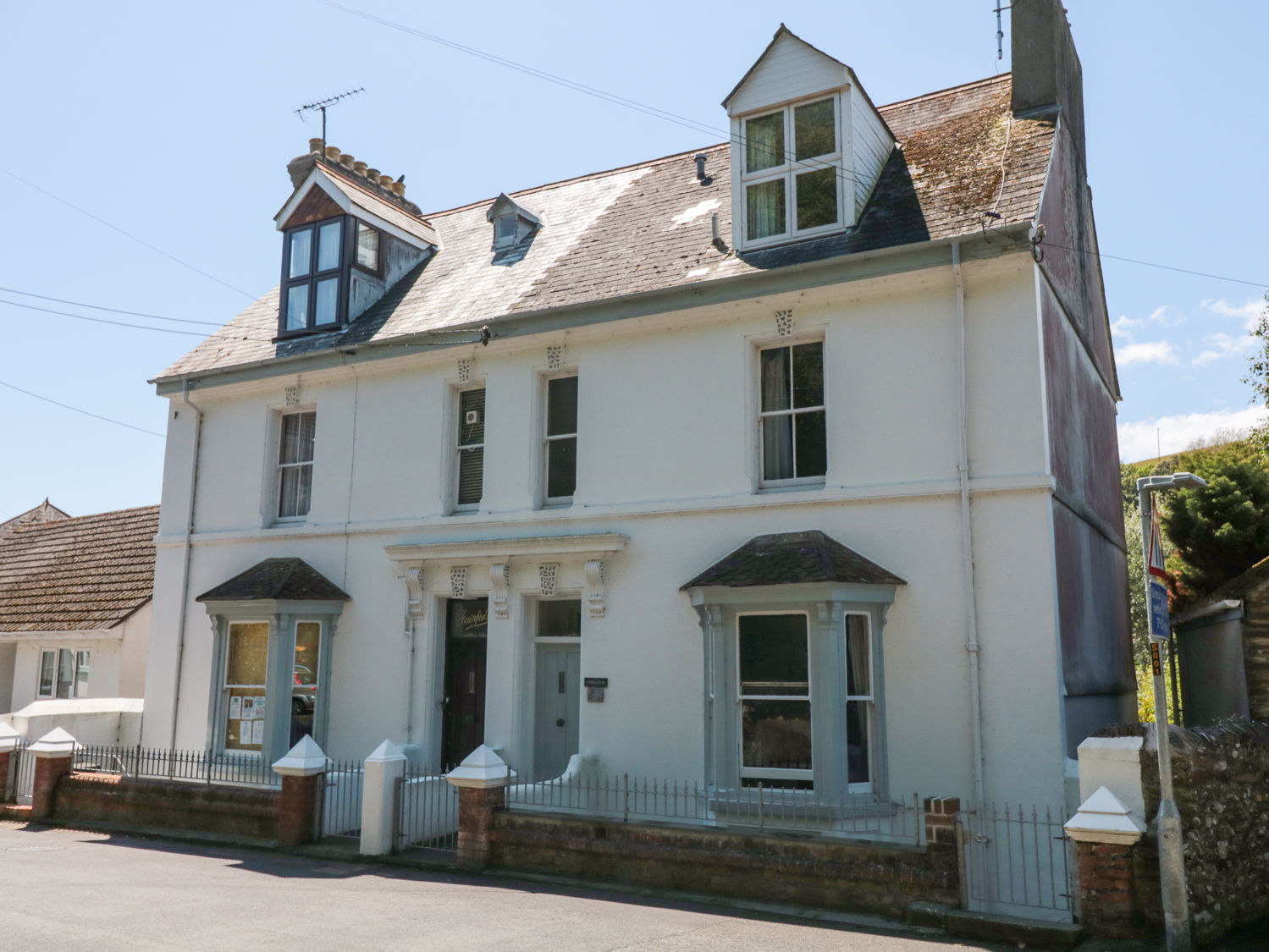 3 bedroom Cottage for rent in Cawsand