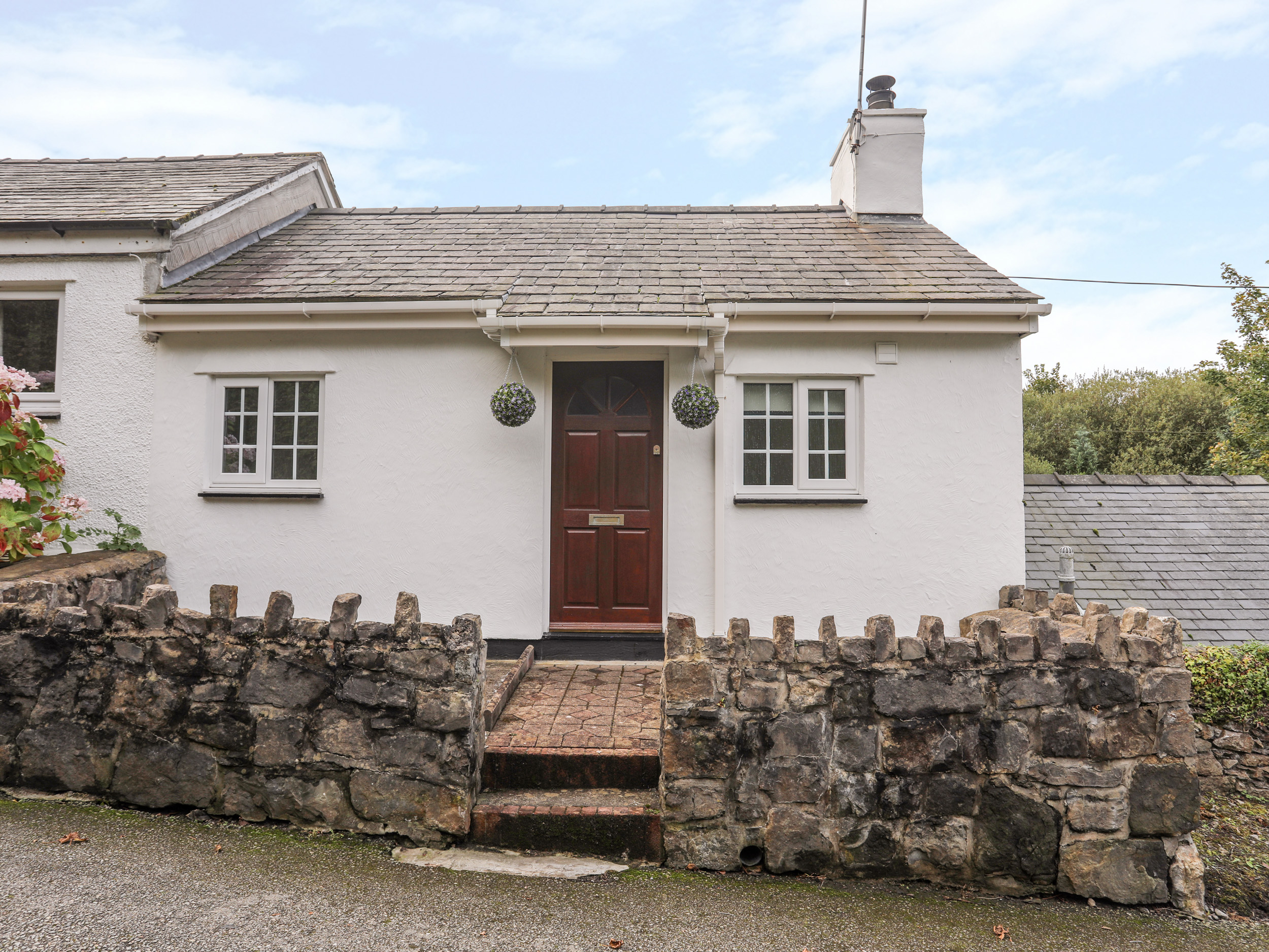 2 bedroom Cottage for rent in Pentraeth