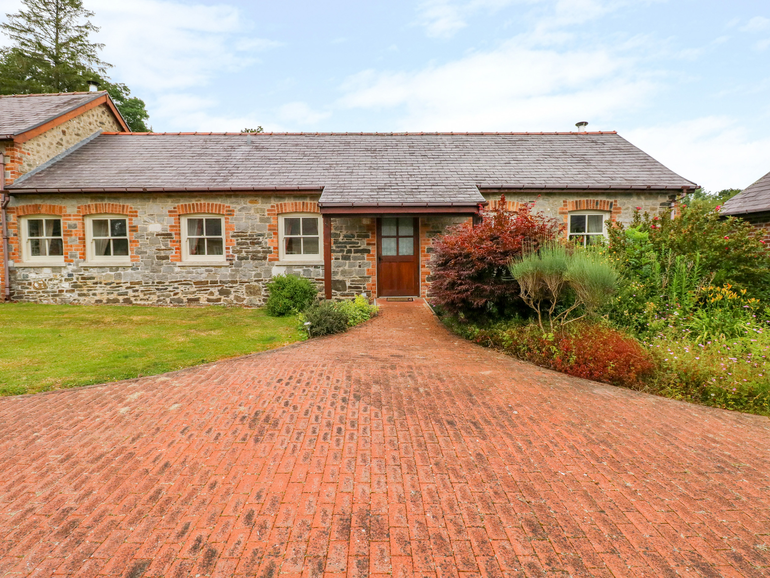 3 bedroom Cottage for rent in Llandeilo