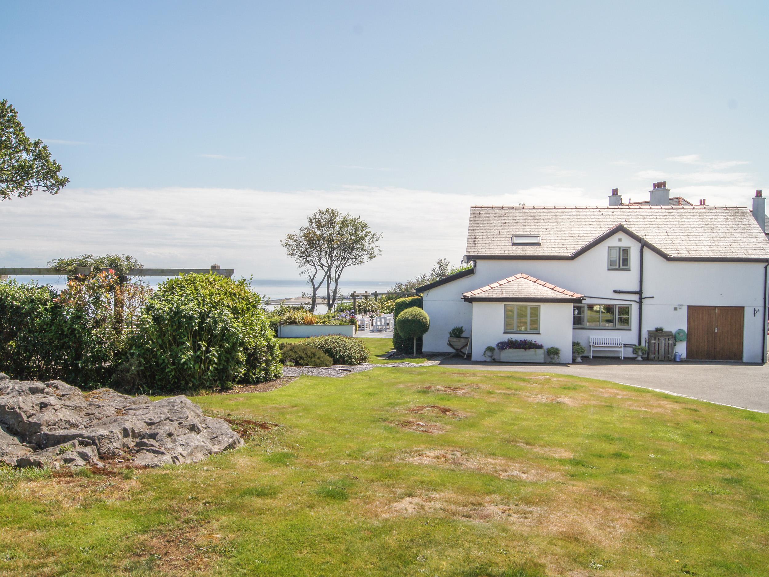 5 bedroom Cottage for rent in Pwllheli