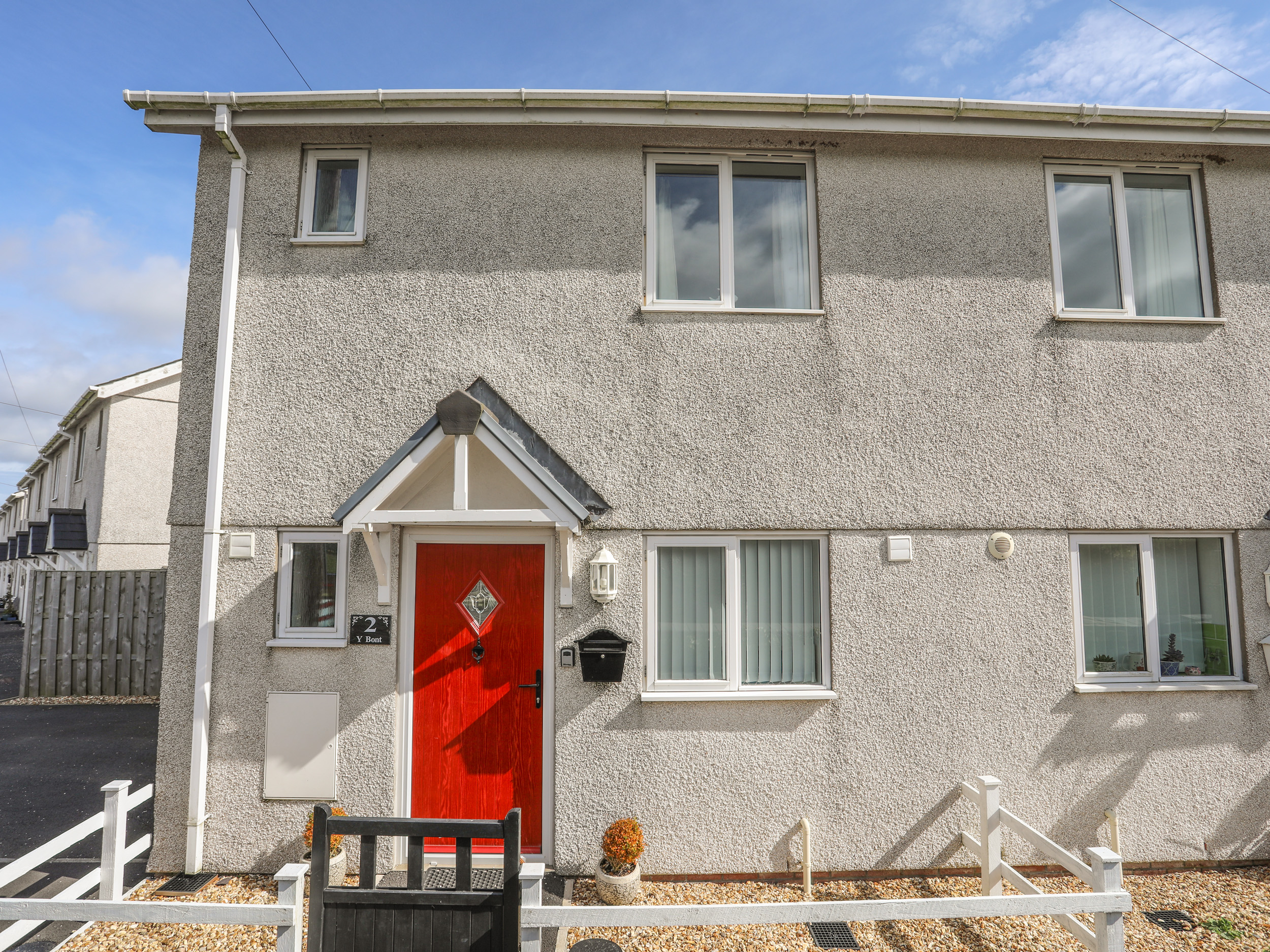 2 bedroom Cottage for rent in Pentraeth