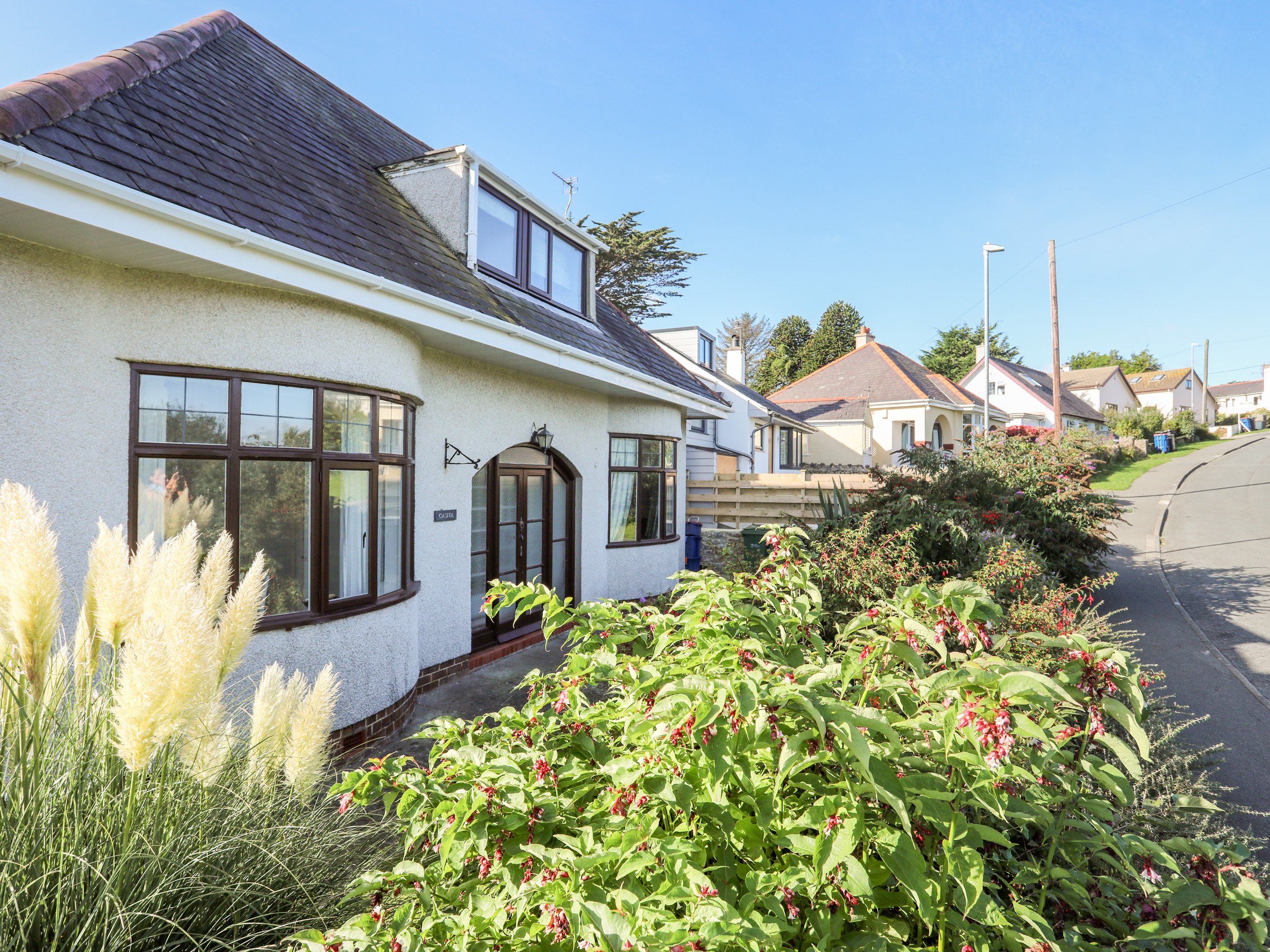 4 bedroom Cottage for rent in Benllech