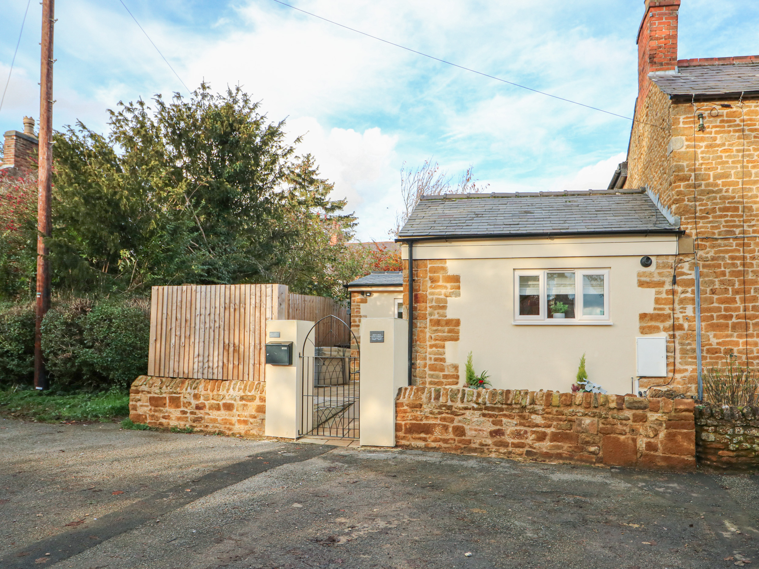 2 bedroom Cottage for rent in Melton Mowbray