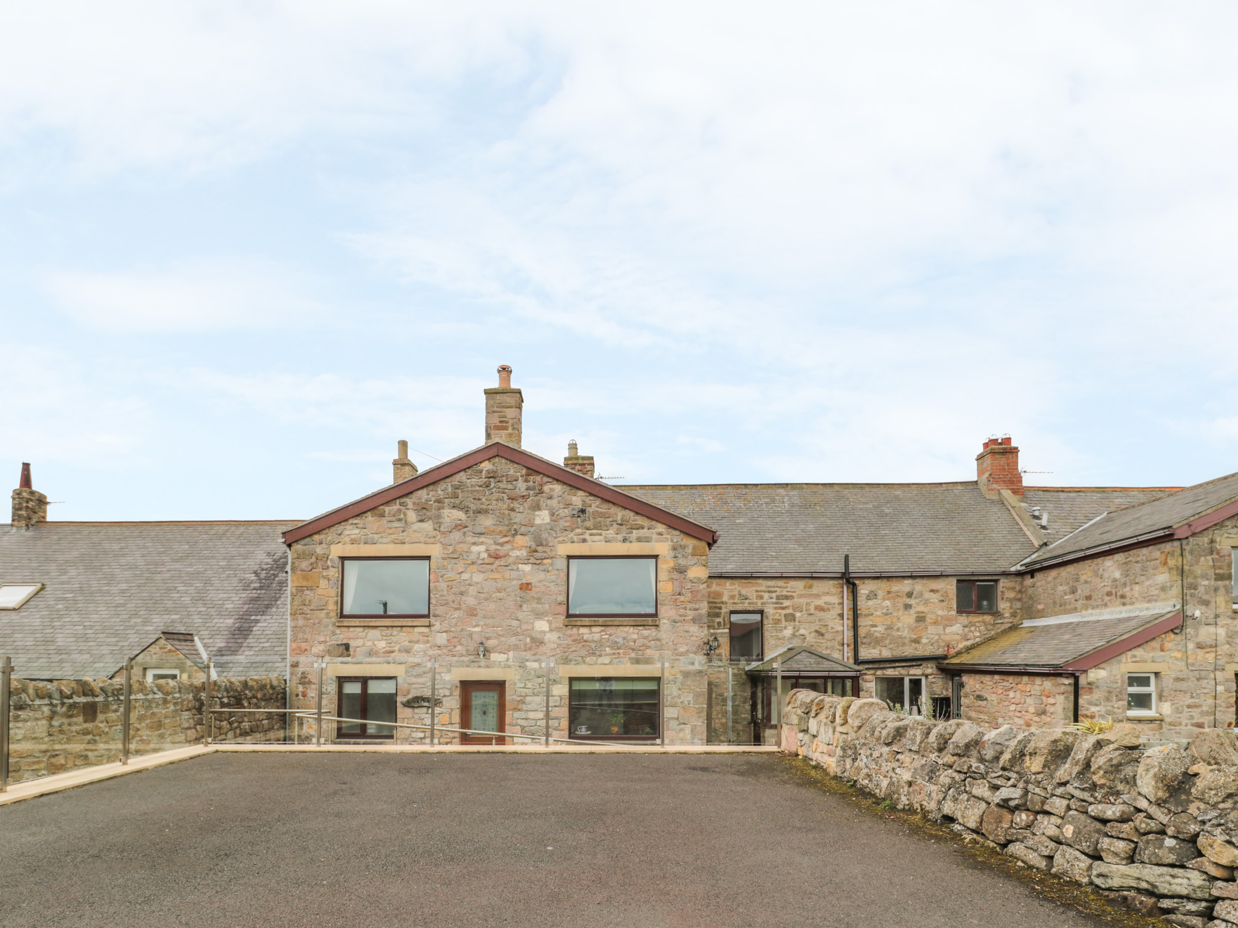 4 bedroom Cottage for rent in Beadnell