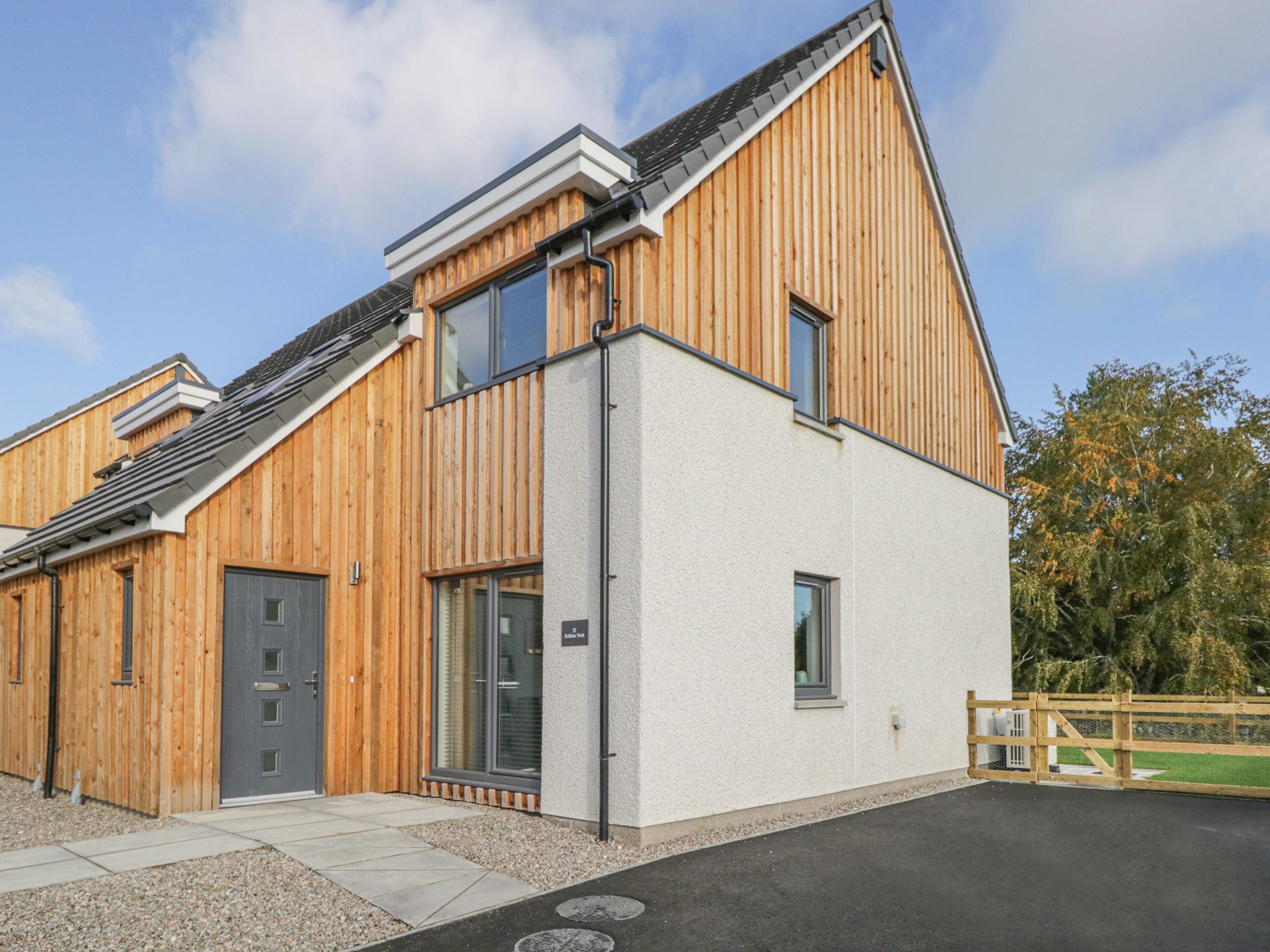 2 bedroom Cottage for rent in Dulnain Bridge