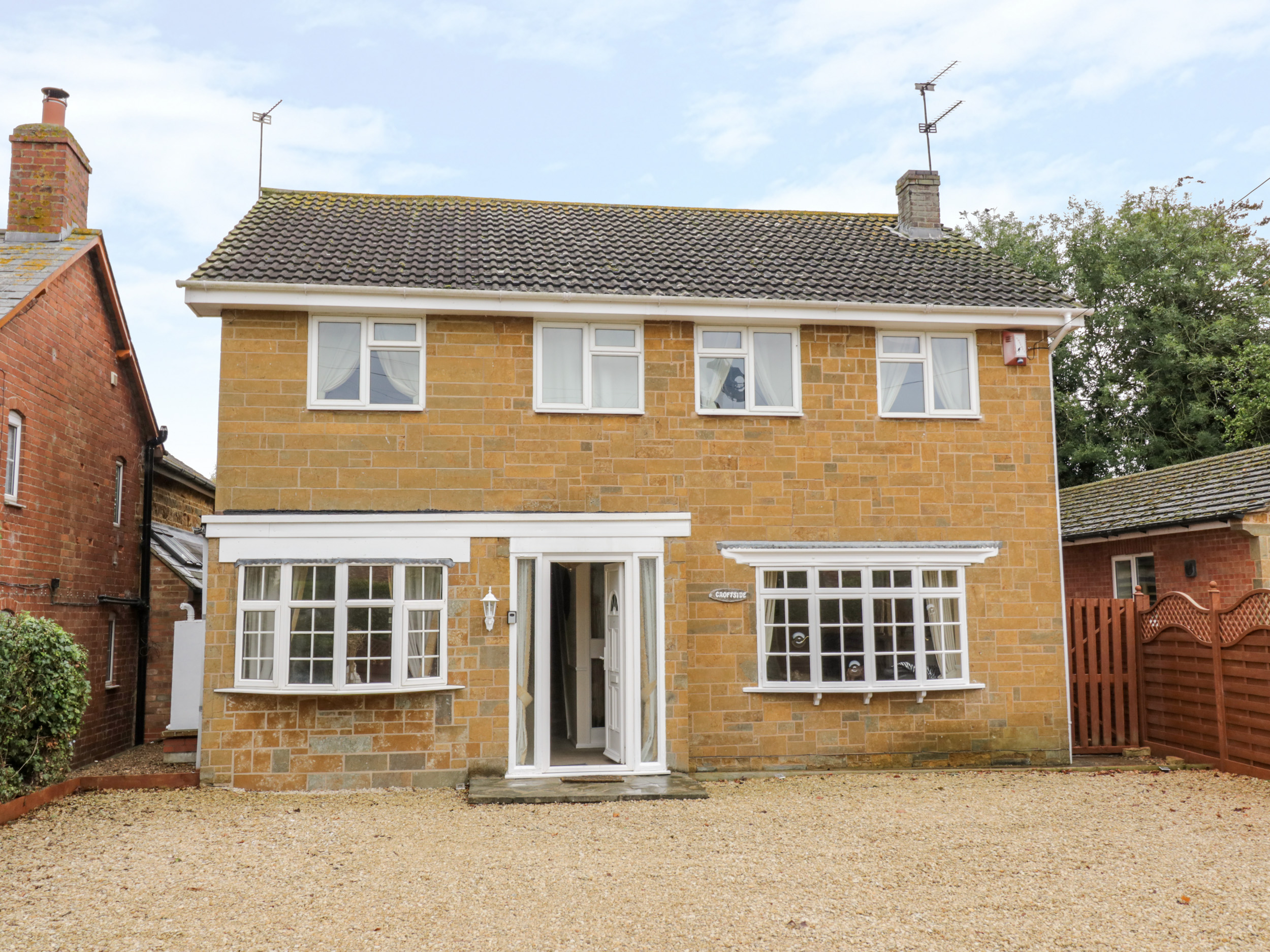 5 bedroom Cottage for rent in Southam
