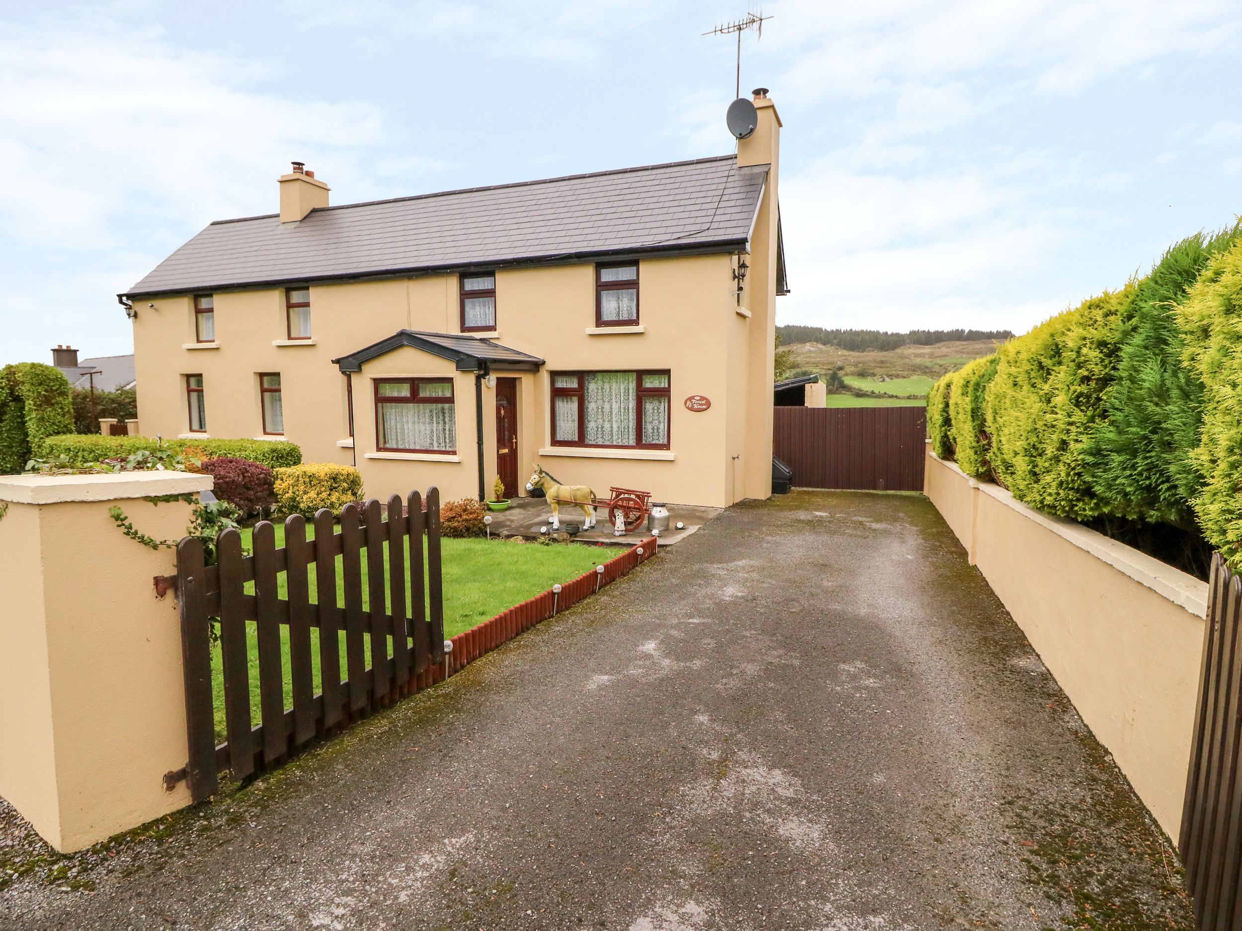 3 bedroom Cottage for rent in Bantry