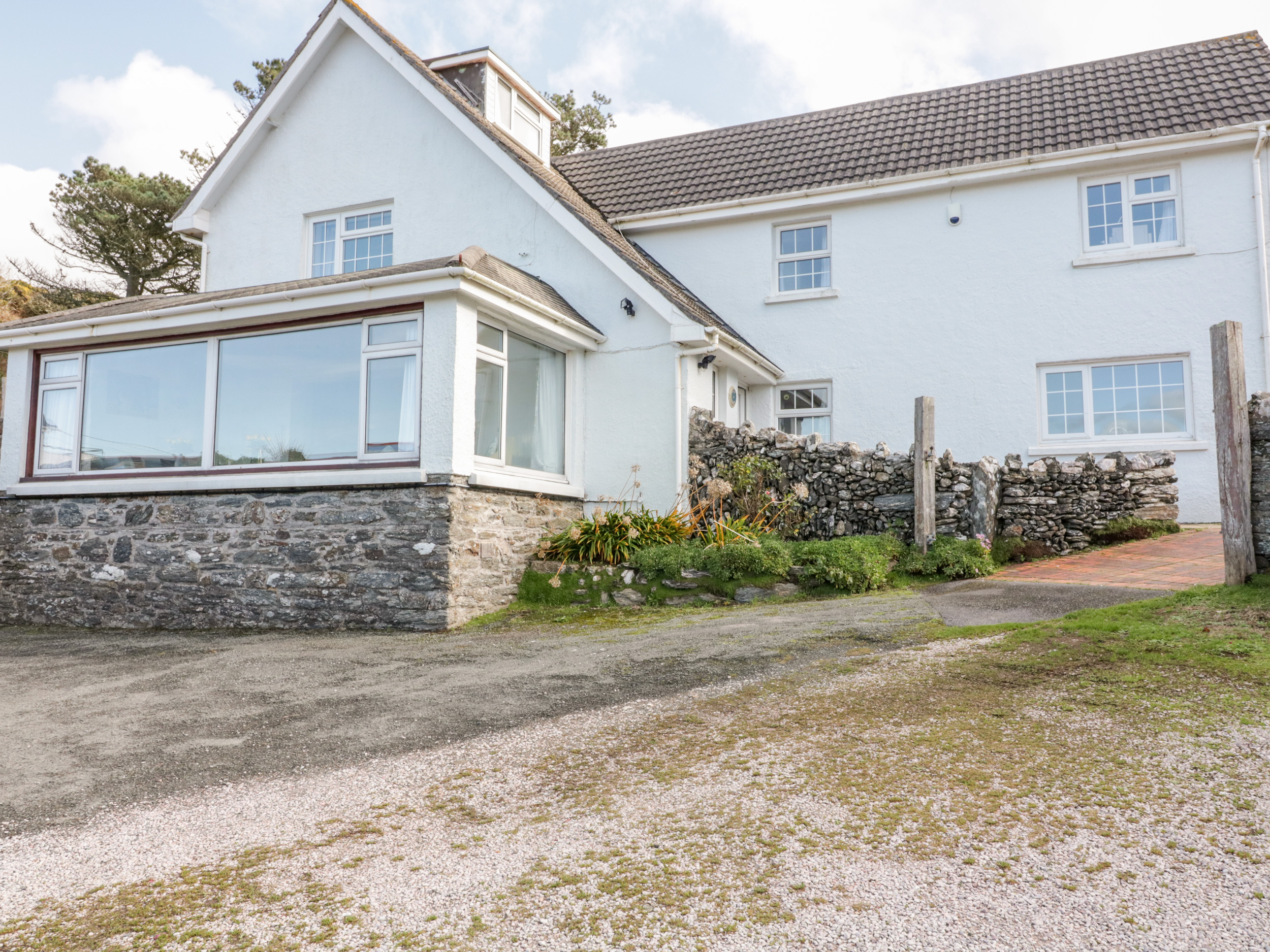 5 bedroom Cottage for rent in Kingsbridge