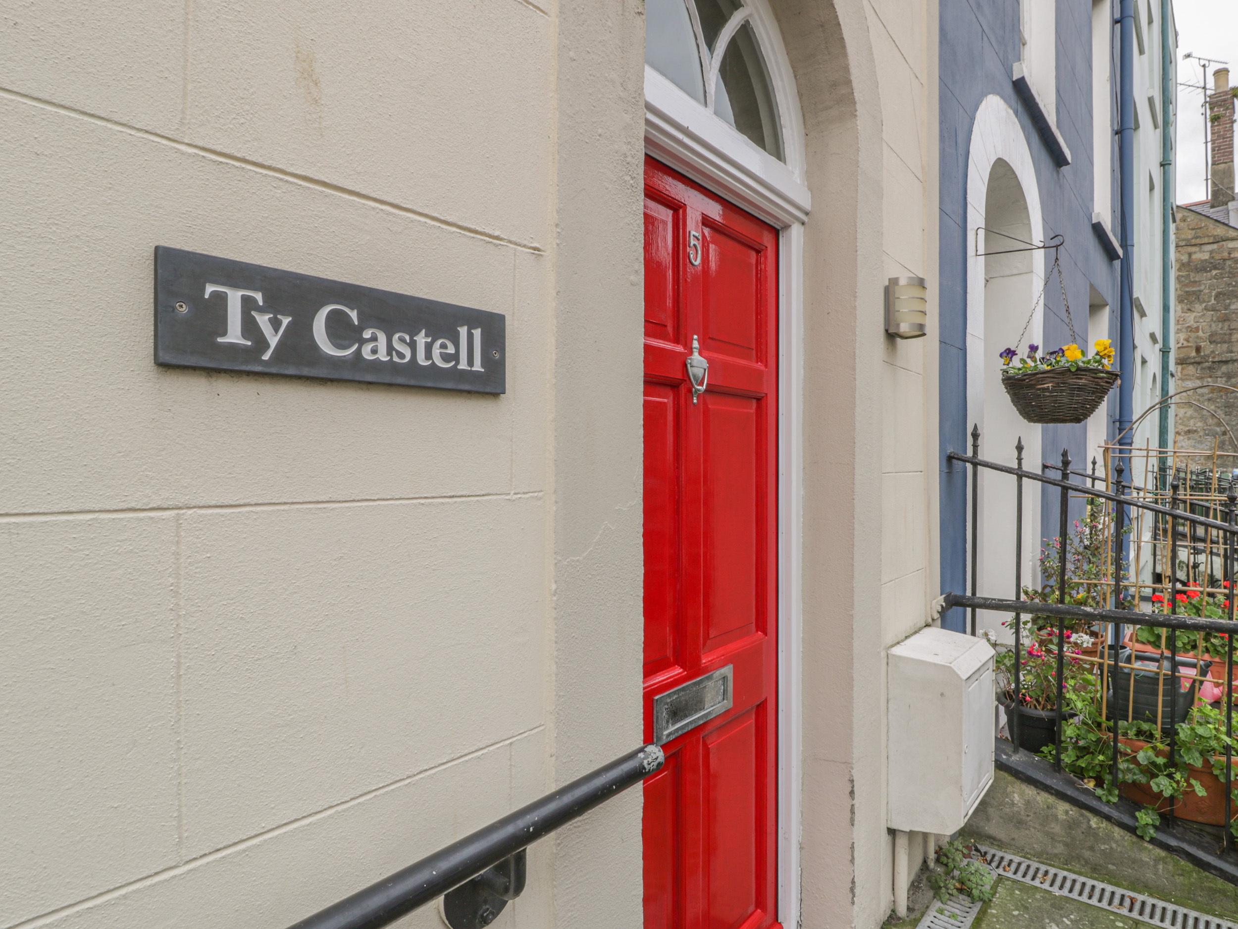 5 bedroom Cottage for rent in Caernarfon