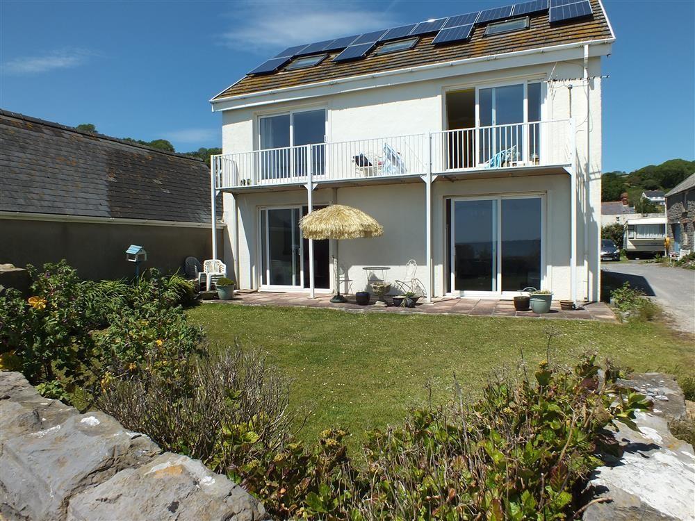 6 bedroom Cottage for rent in Pendine