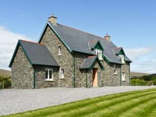 4 bedroom Cottage for rent in Bantry