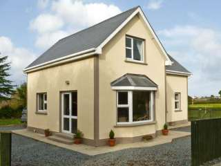 3 bedroom Cottage for rent in Fethard-On-Sea