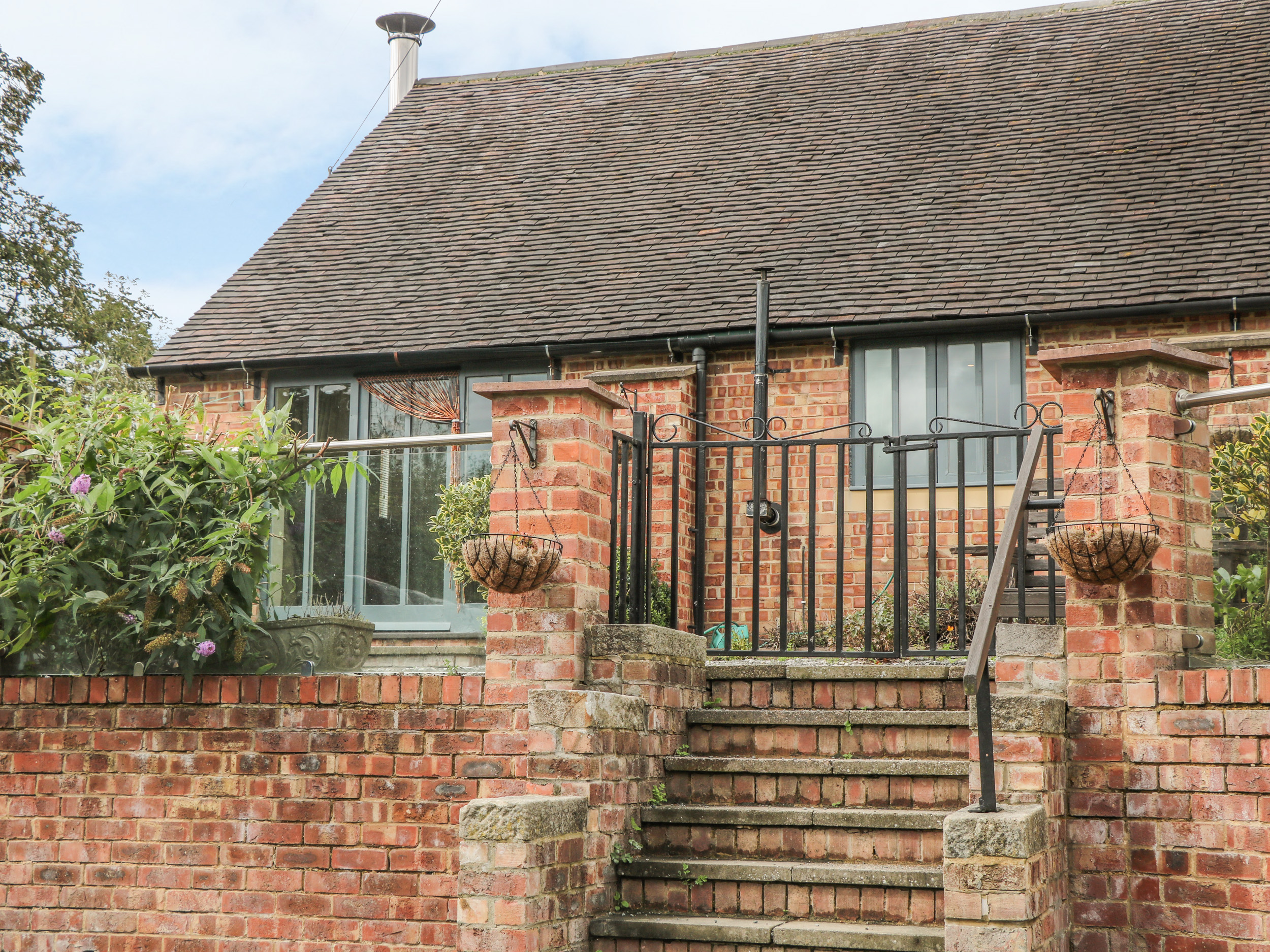 2 bedroom Cottage for rent in Windley