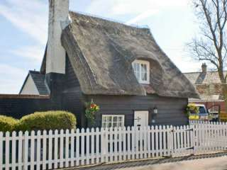 1 bedroom Cottage for rent in Frinton on Sea