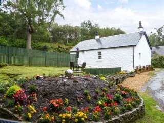 1 bedroom Cottage for rent in Garelochhead