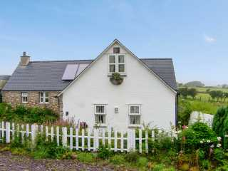 2 bedroom Cottage for rent in Moelfre