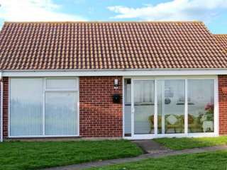 2 bedroom Cottage for rent in Lowestoft