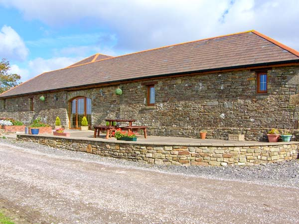 2 bedroom Cottage for rent in Llanmorlais