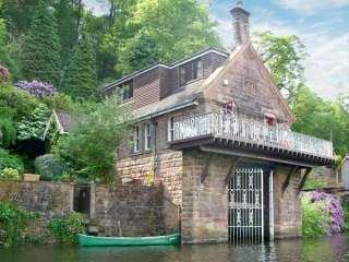 4 bedroom Cottage for rent in Leek