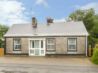 2 bedroom Cottage for rent in Ballindine
