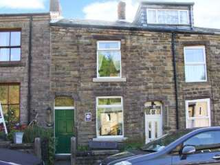 2 bedroom Cottage for rent in New Mills