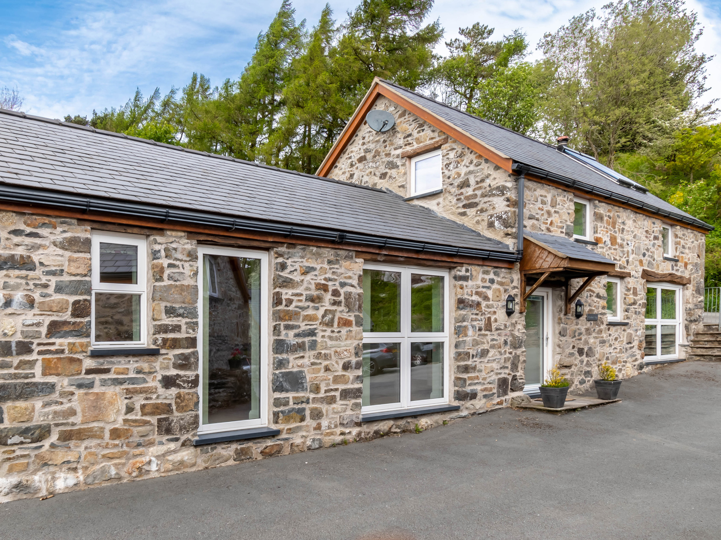1 bedroom Cottage for rent in Ruthin