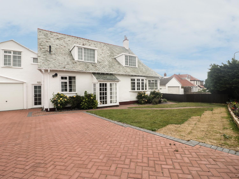 5 bedroom Cottage for rent in Penrhyn Bay