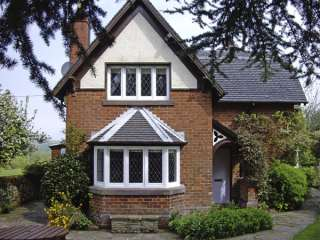 4 bedroom Cottage for rent in Leek