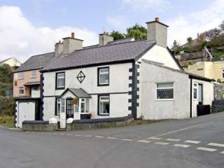2 bedroom Cottage for rent in Amlwch Port
