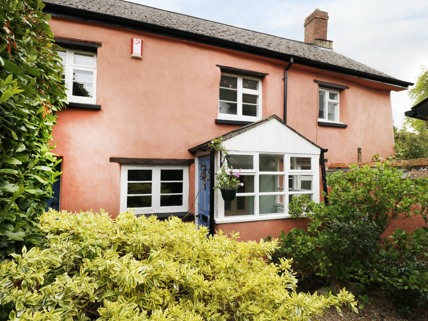4 bedroom Cottage for rent in Winkleigh