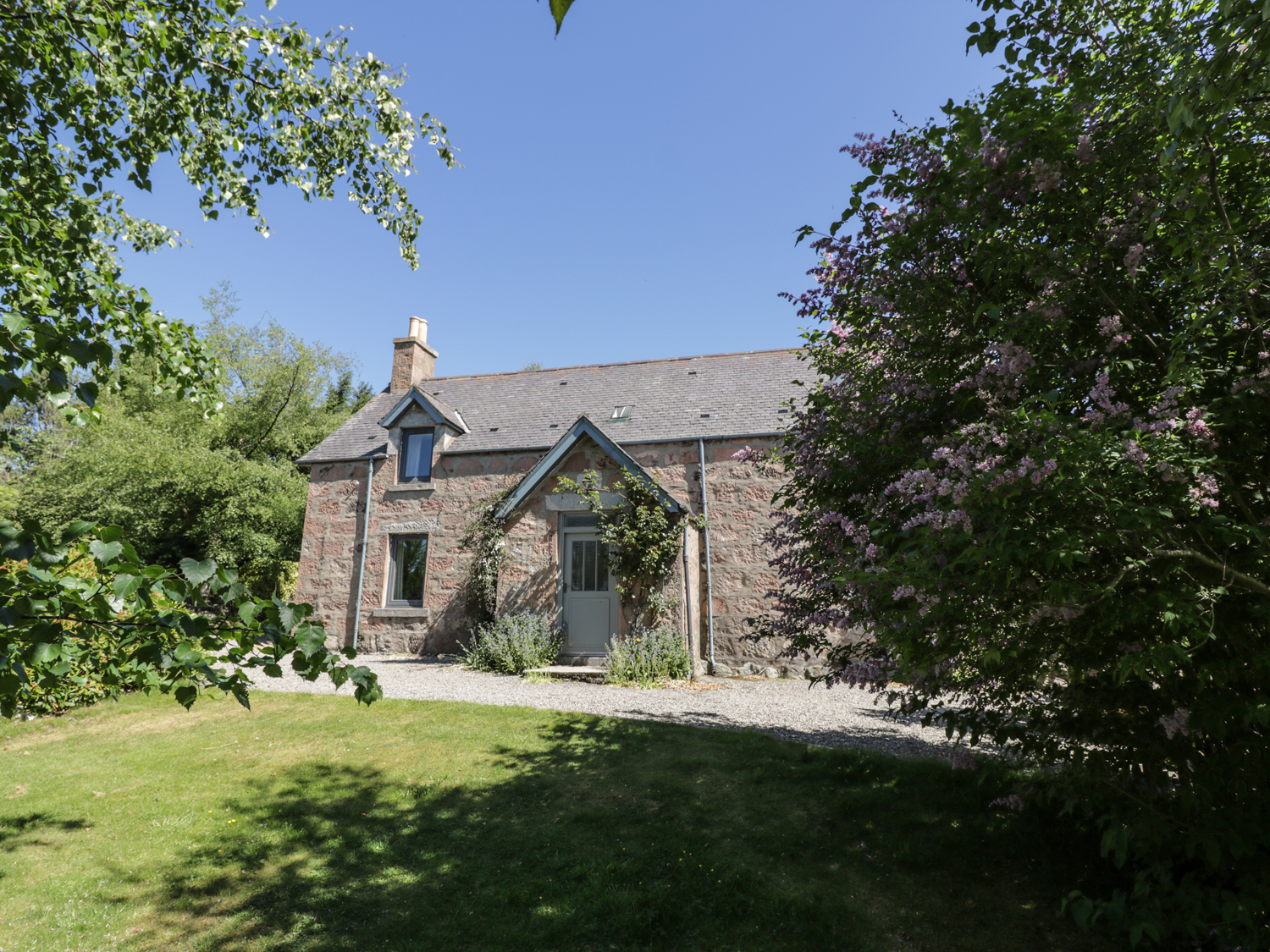 3 bedroom Cottage for rent in Brechin