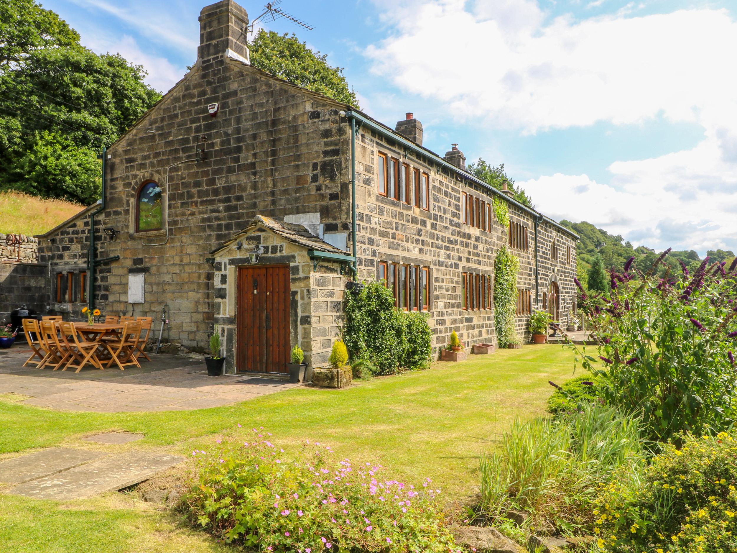 5 bedroom Cottage for rent in Hebden Bridge