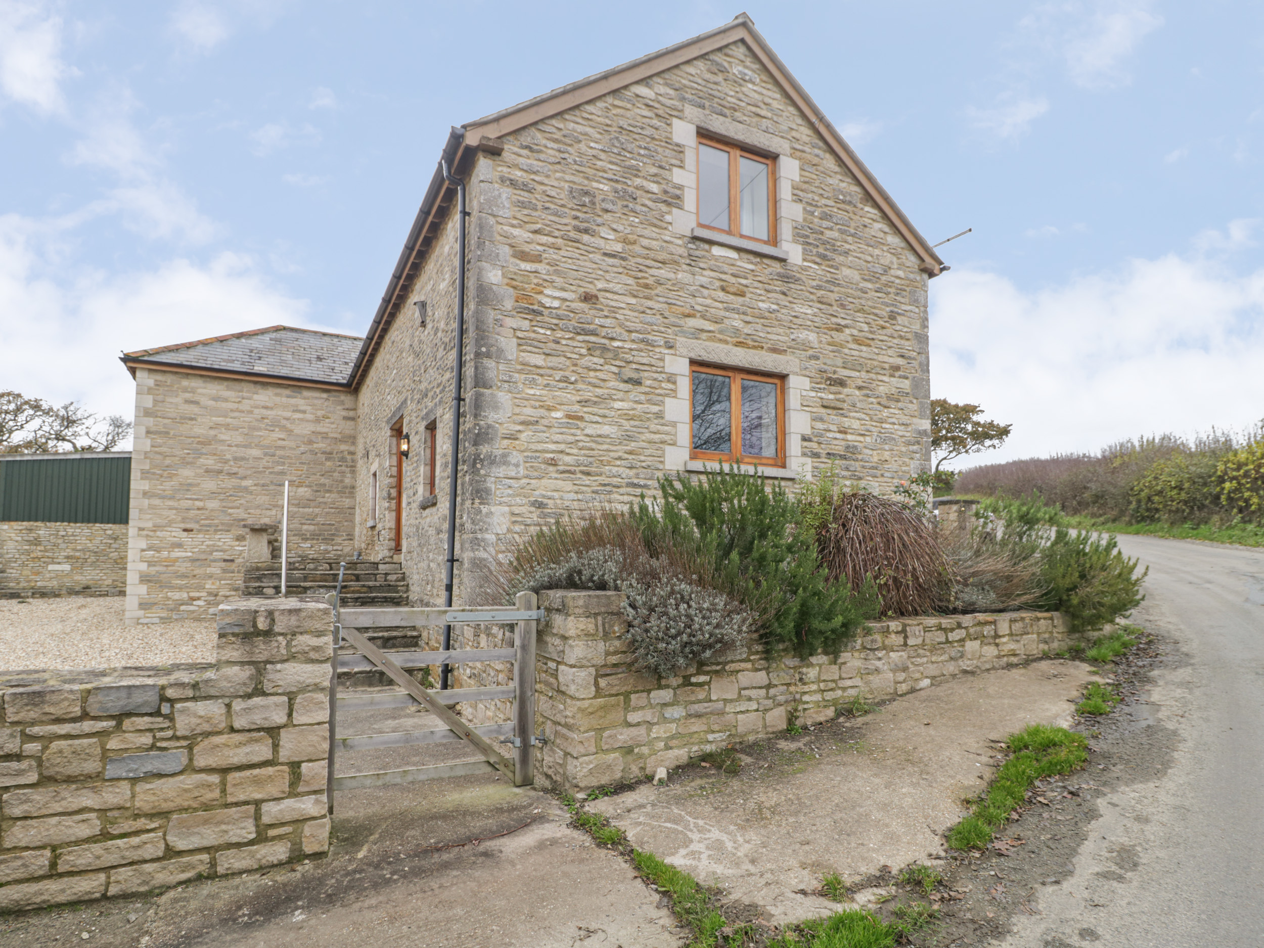 4 bedroom Cottage for rent in Swanage