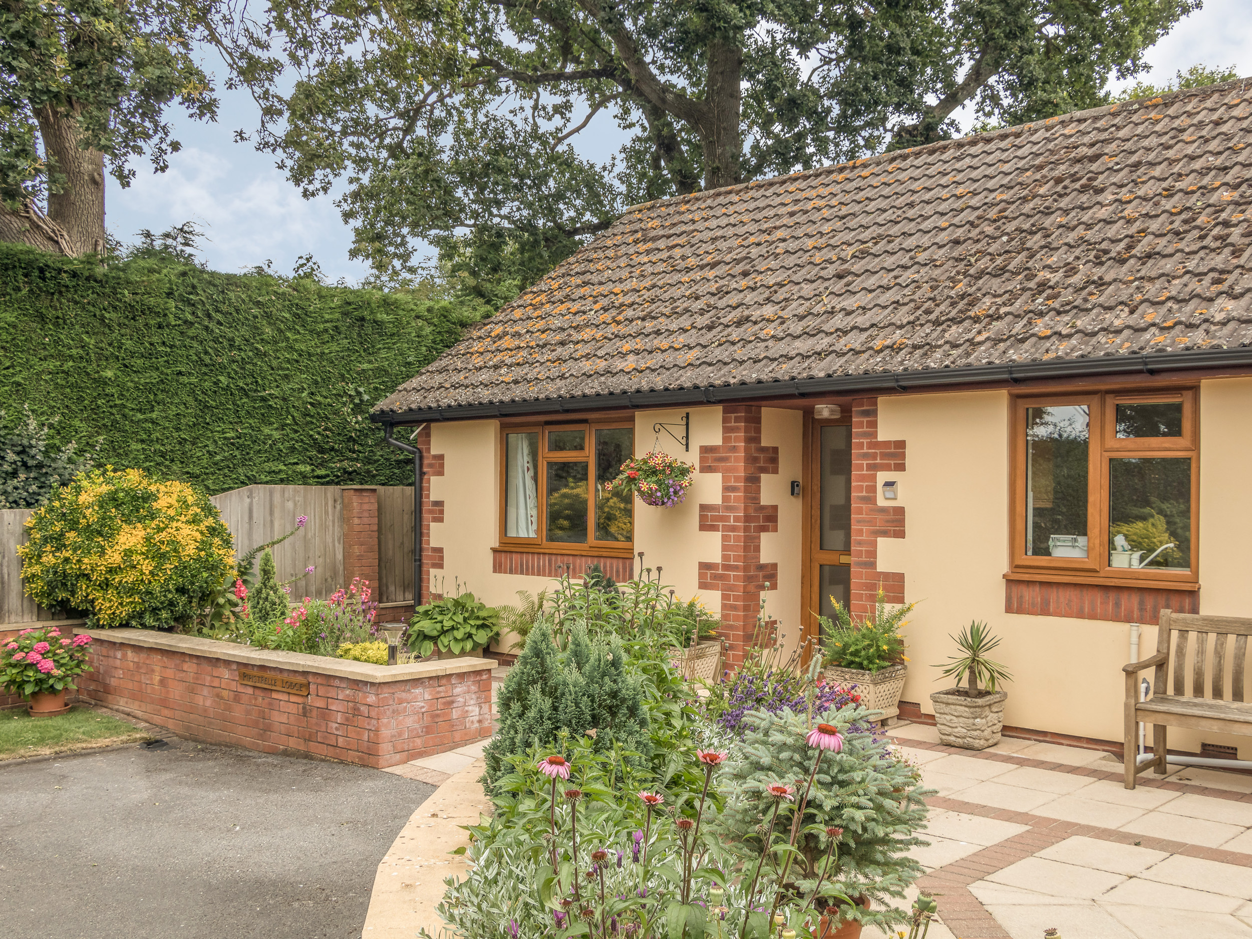 1 bedroom Cottage for rent in Cullompton