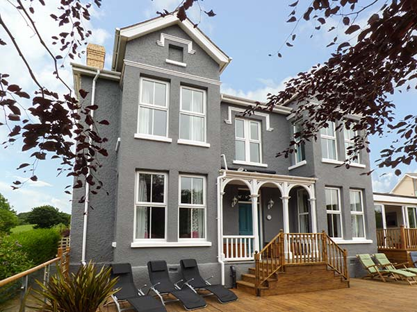 8 bedroom Cottage for rent in Tresaith