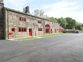 7 bedroom Cottage for rent in Stocksbridge