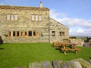 5 bedroom Cottage for rent in Huddersfield