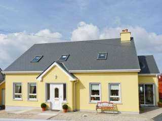 2 bedroom Cottage for rent in Dungloe