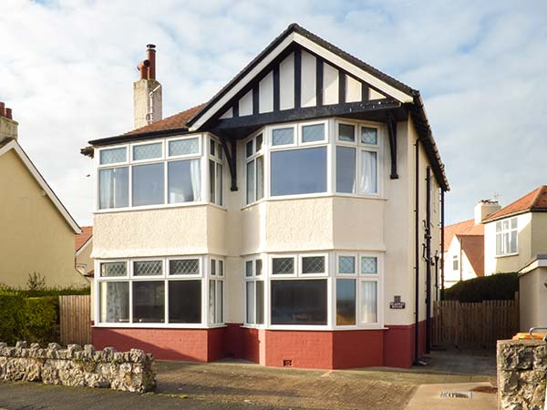 5 bedroom Cottage for rent in Rhos-on-Sea