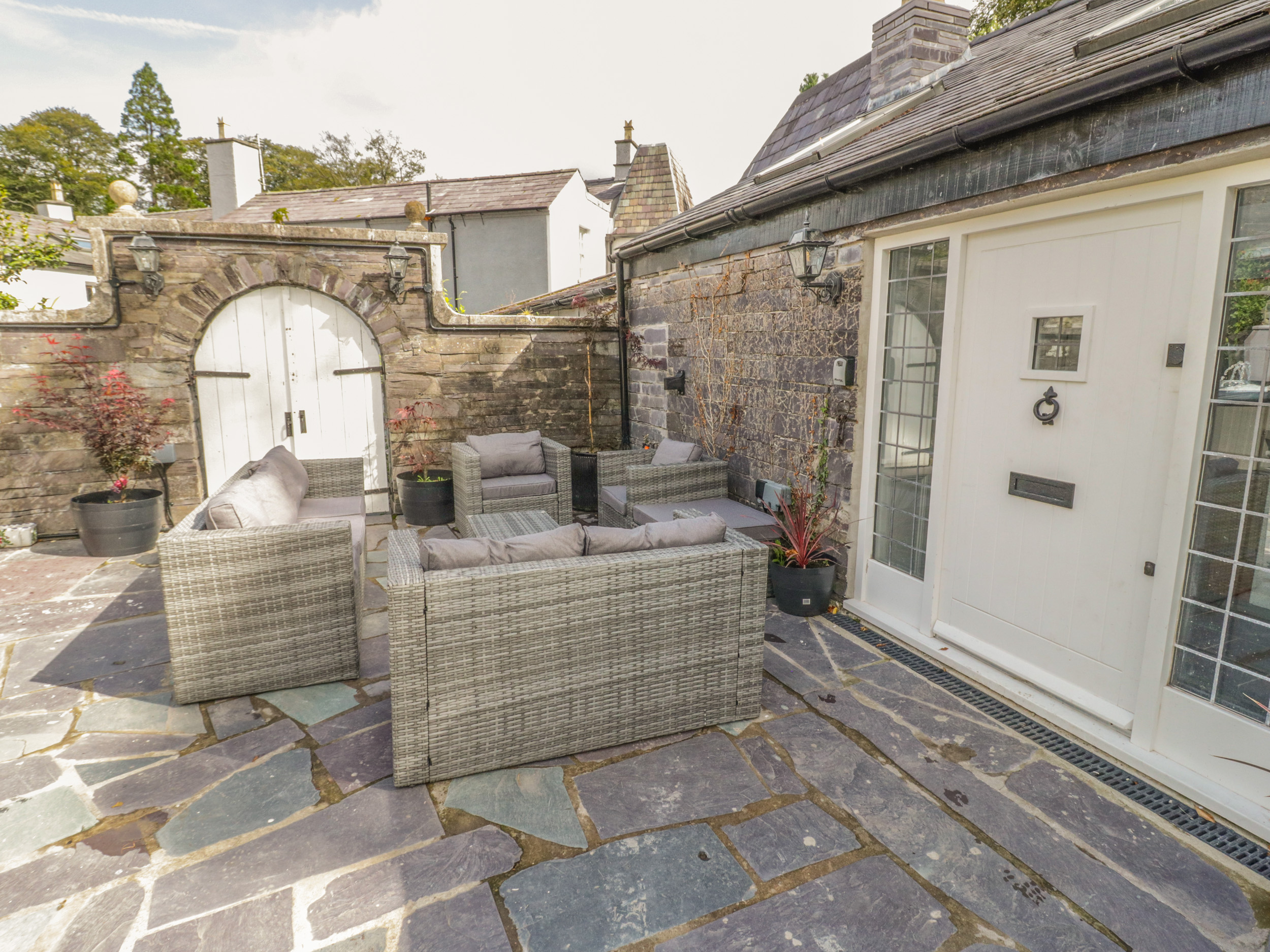 5 bedroom Cottage for rent in Narberth