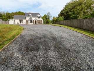 4 bedroom Cottage for rent in Carmarthen