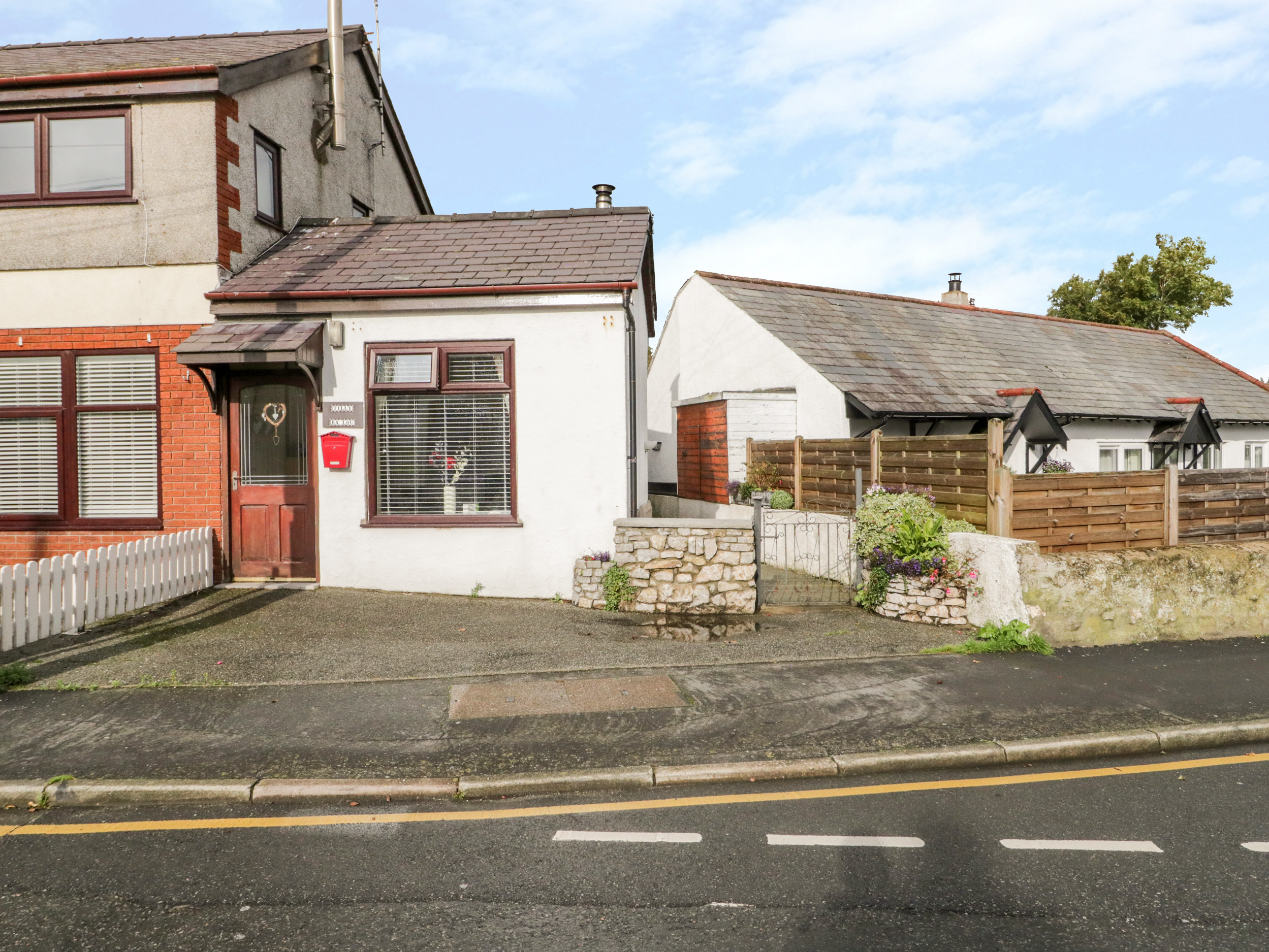 1 bedroom Cottage for rent in Moelfre